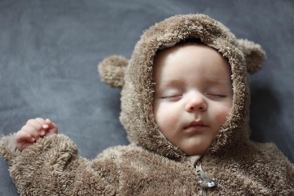Photographie-bébé-séance-photo-à-domicile-Grenoble