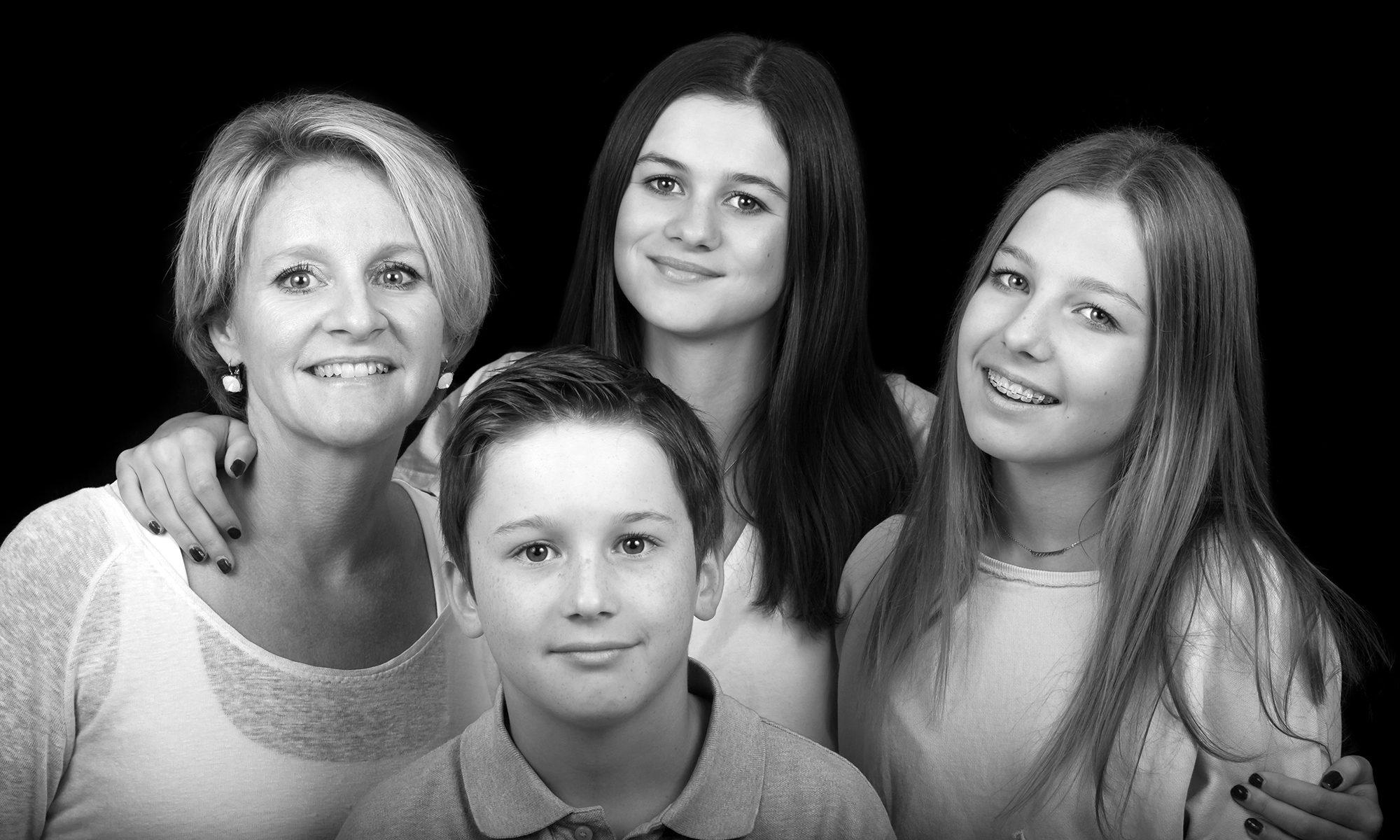 Portrait-famille-noir-blanc